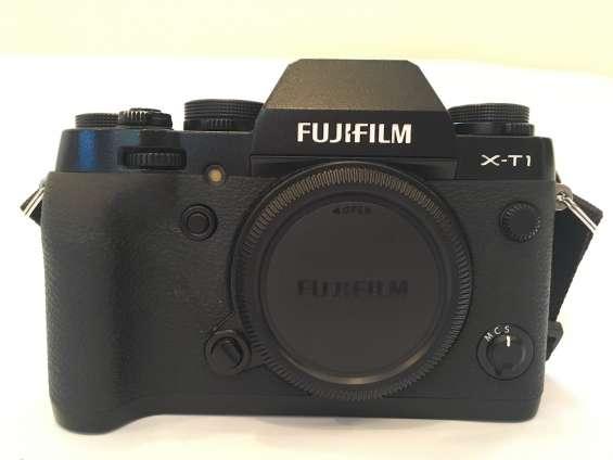 Vendo cámara fotográfica sin espejo fuji xt1